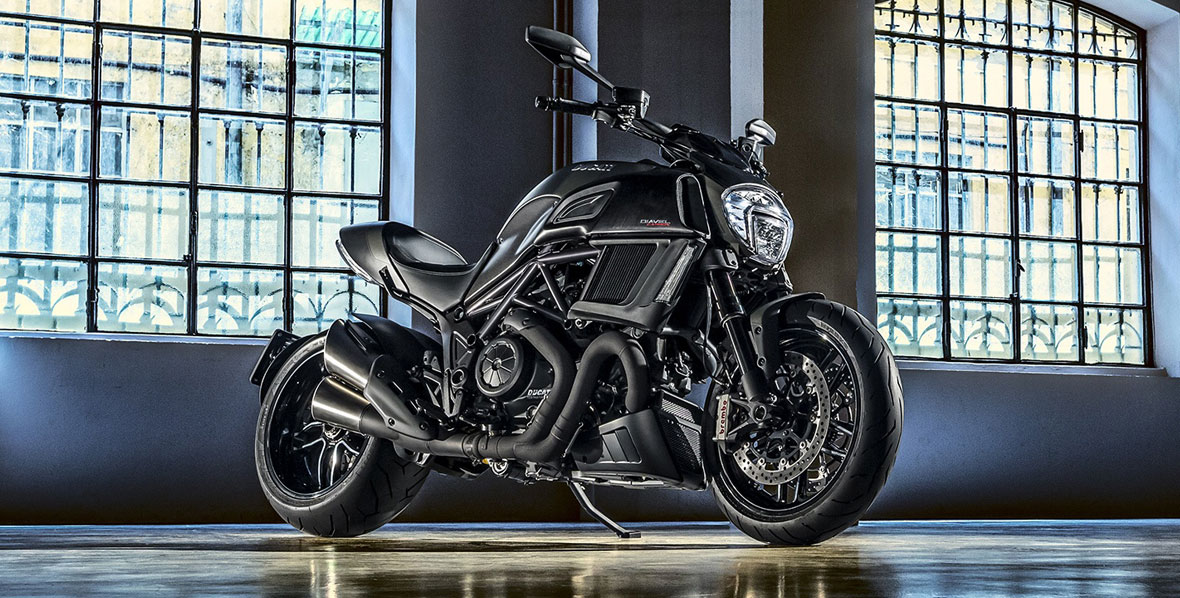 Diavel-Carbon_2016-9