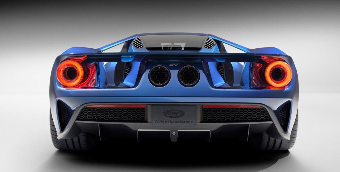 2016-Ford-GT-Studio-4-1920x1200