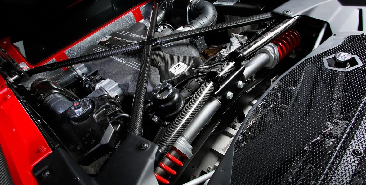 aventador-engine