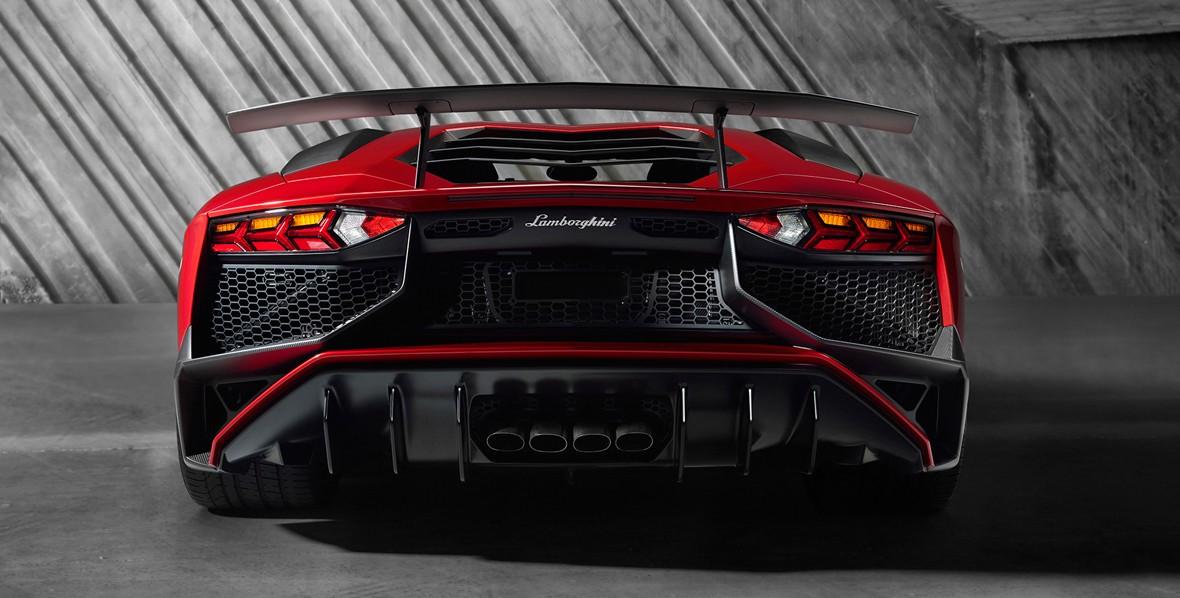 aventador-rear