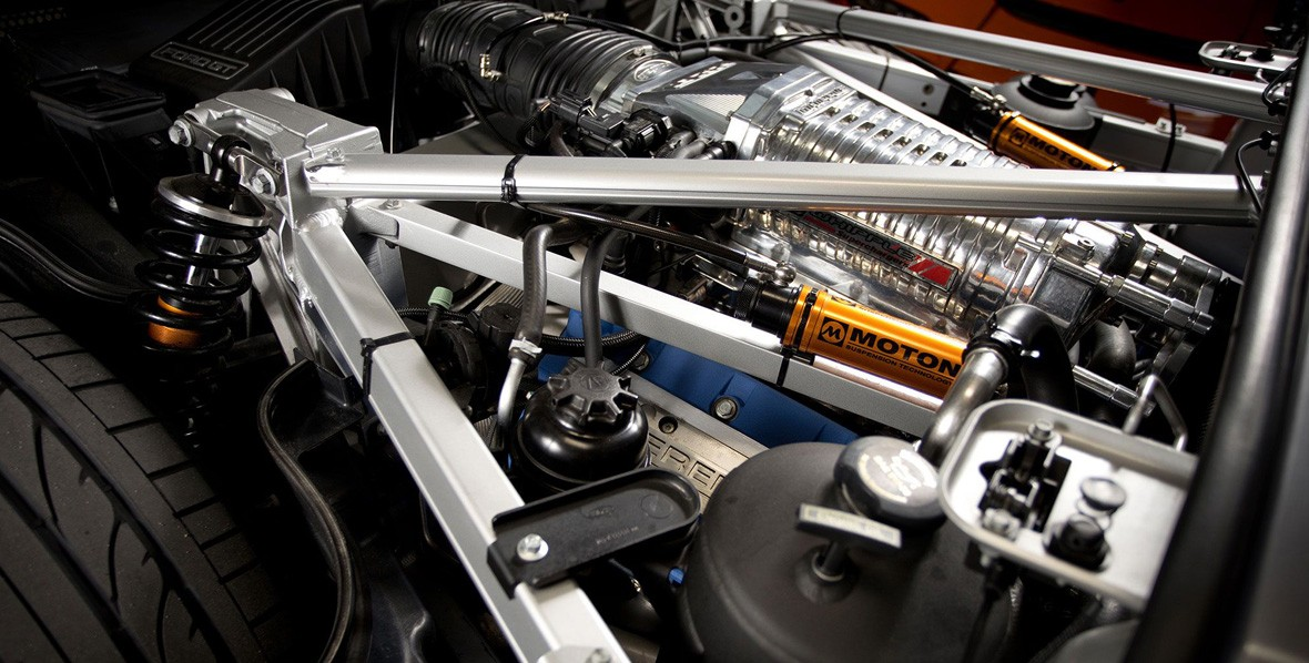 furious-7-inside-track-2006-ford-gt-engine-bay-72