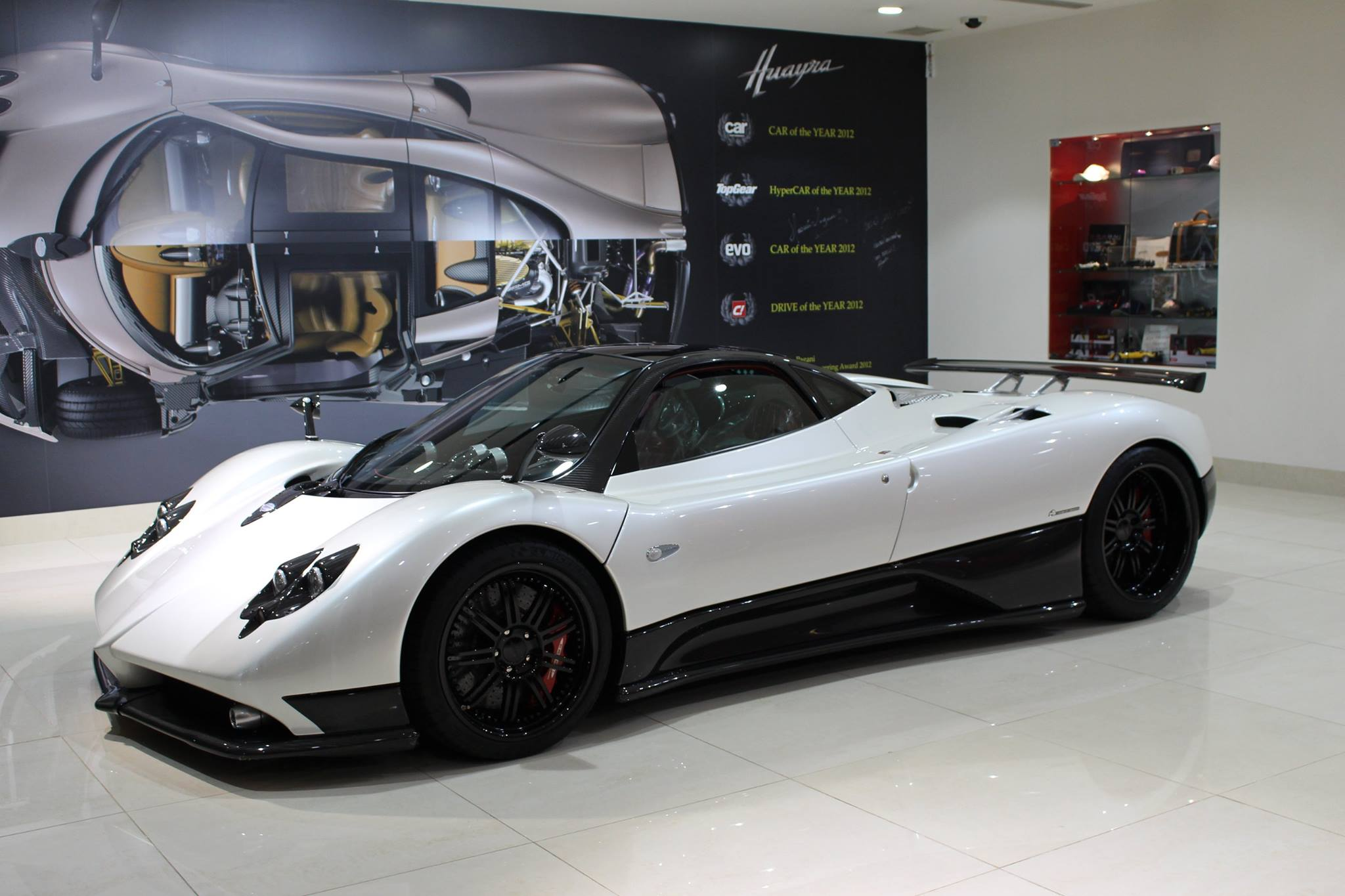 For Sale; Pagani Zonda F Clubsport | THE-LOWDOWN