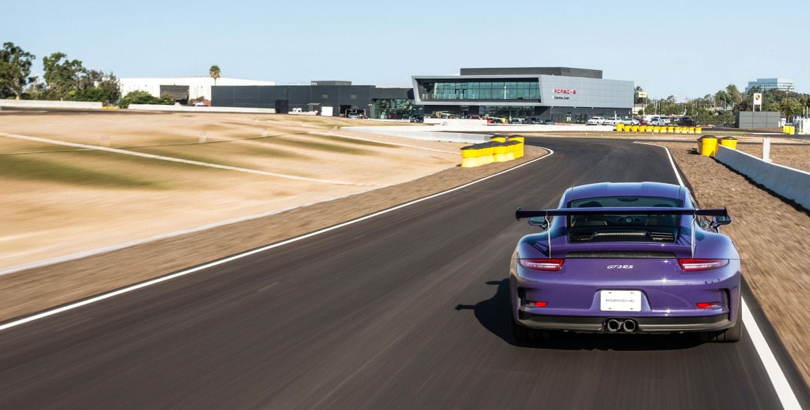 high_911_gt3_rs_porsche_experience_center_los_angeles_2016_porsche_ag-1