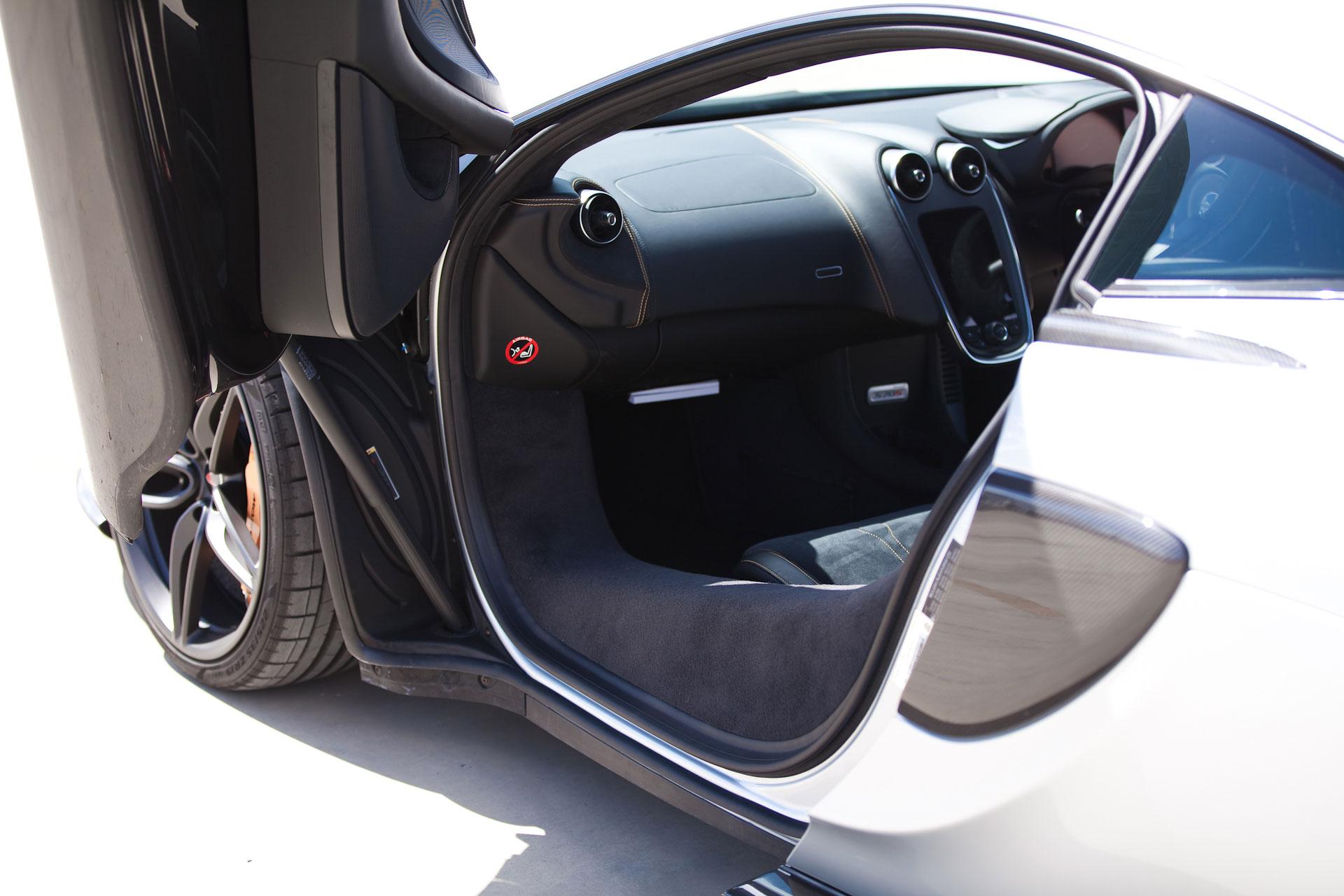 mclaren-570s-doors