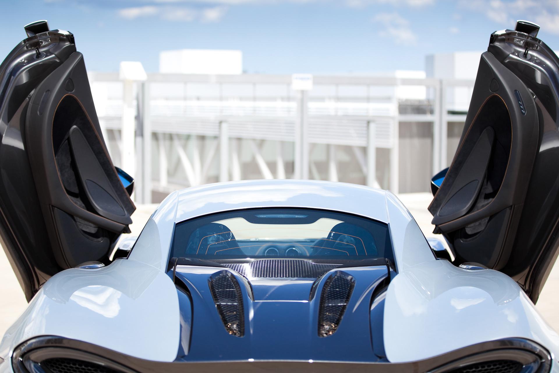 mclaren-570s-rear-door