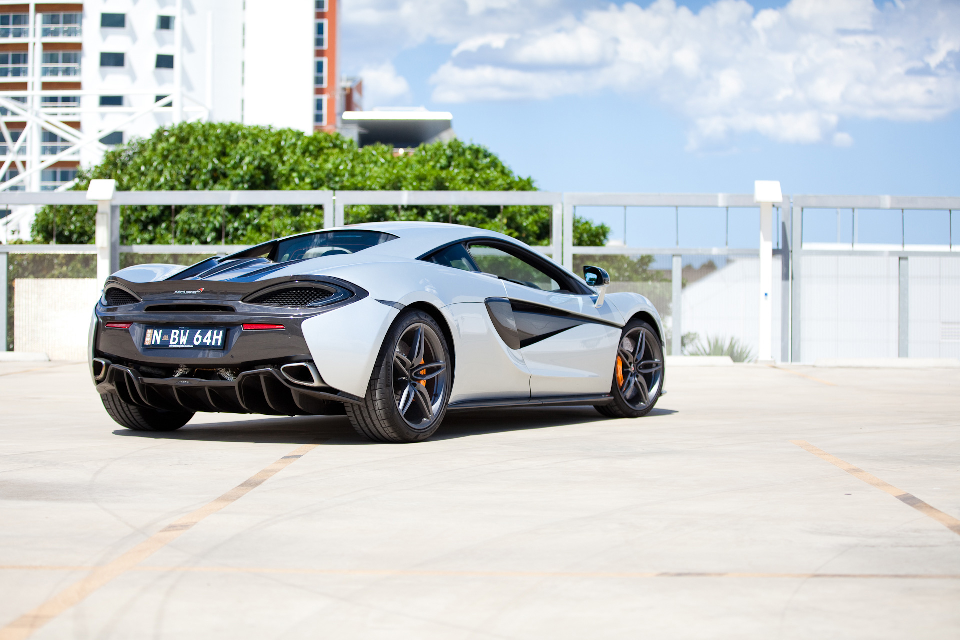 mclaren-570s-rear-profile